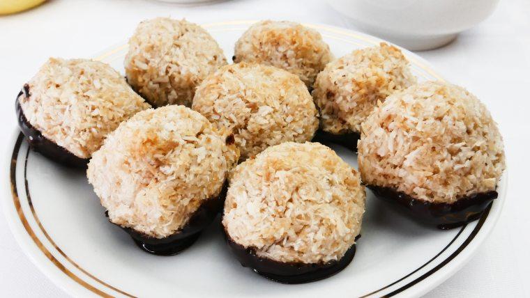 keto shredded coconut cookie