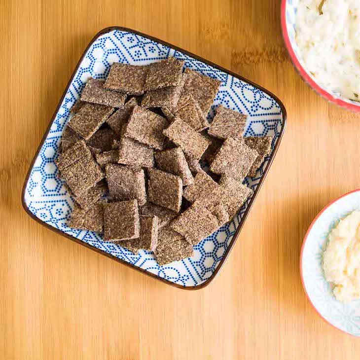 Garlic Chia Crackers