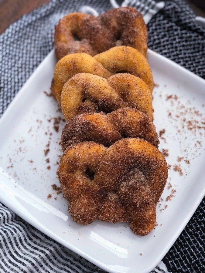 Keto Cinnamon Pretzels