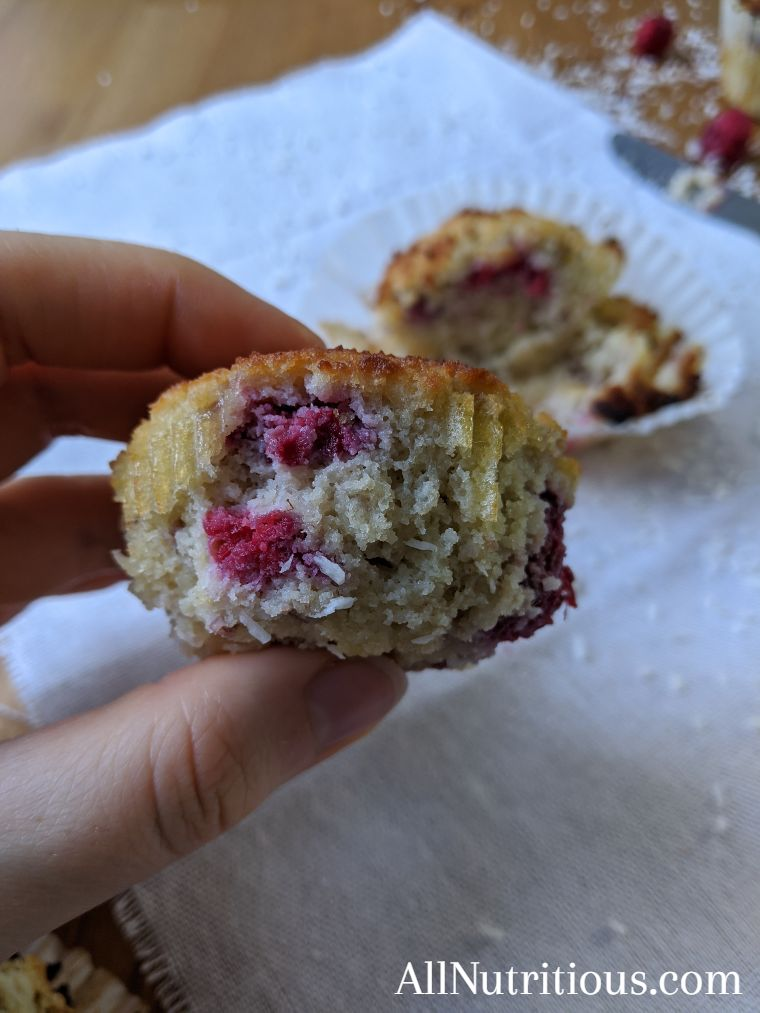 low carb cupcakes with raspberries