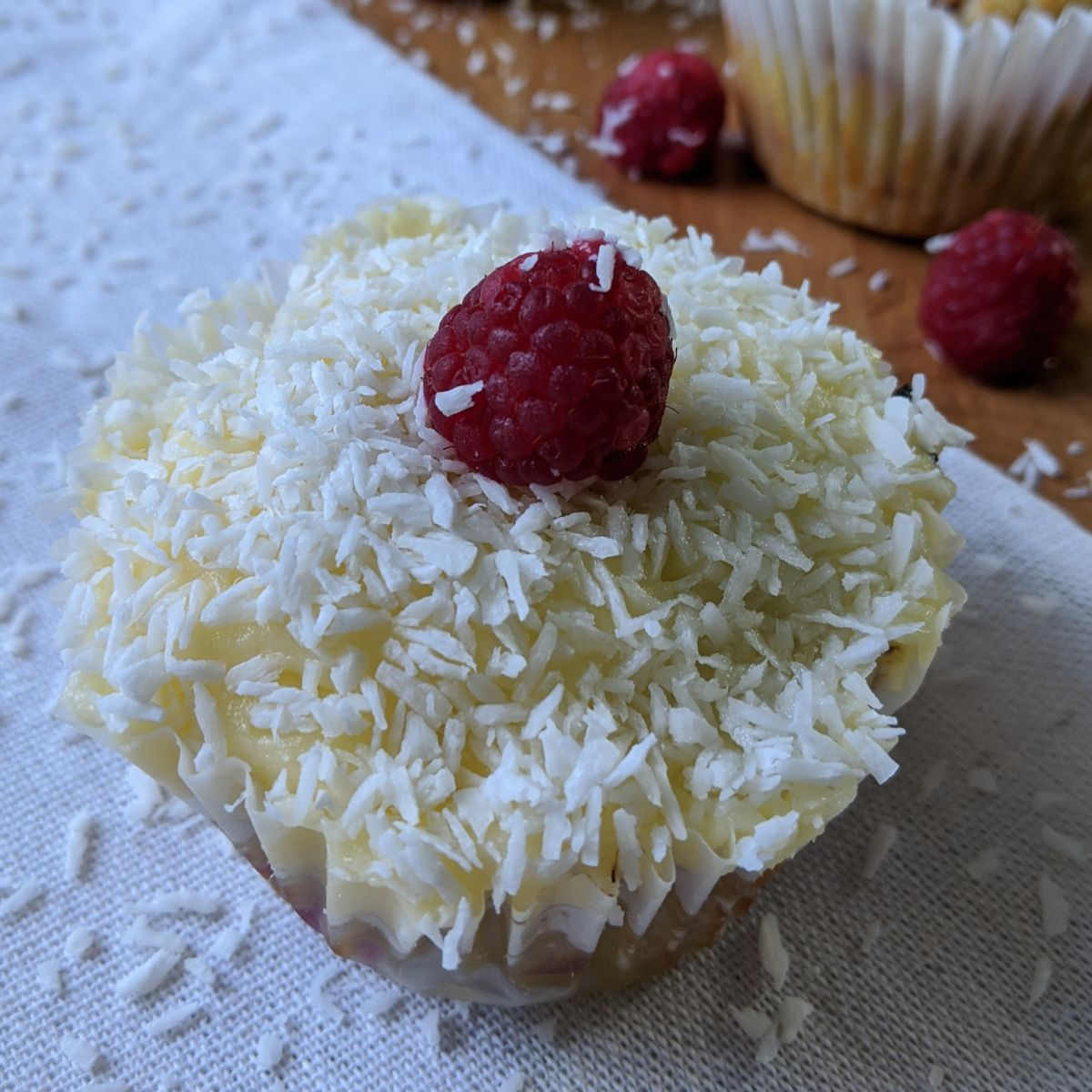 keto raspberry cupcakes