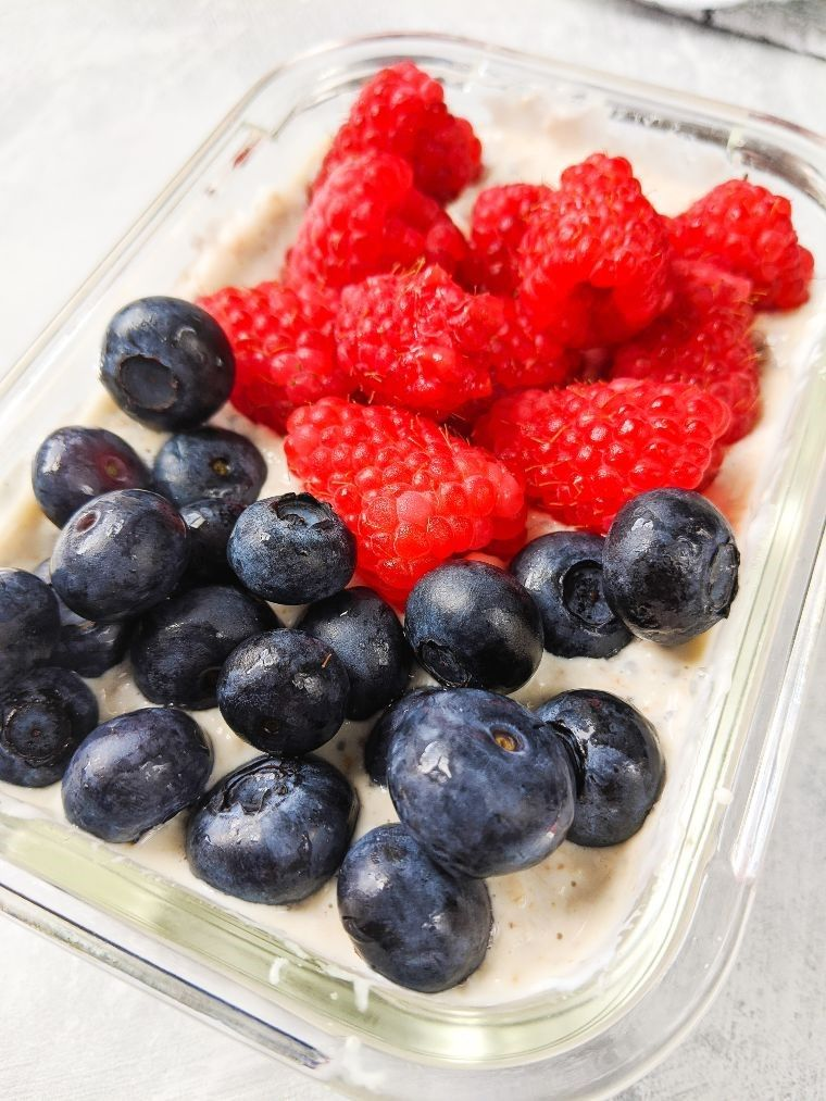 blueberries and raspberries in bowl