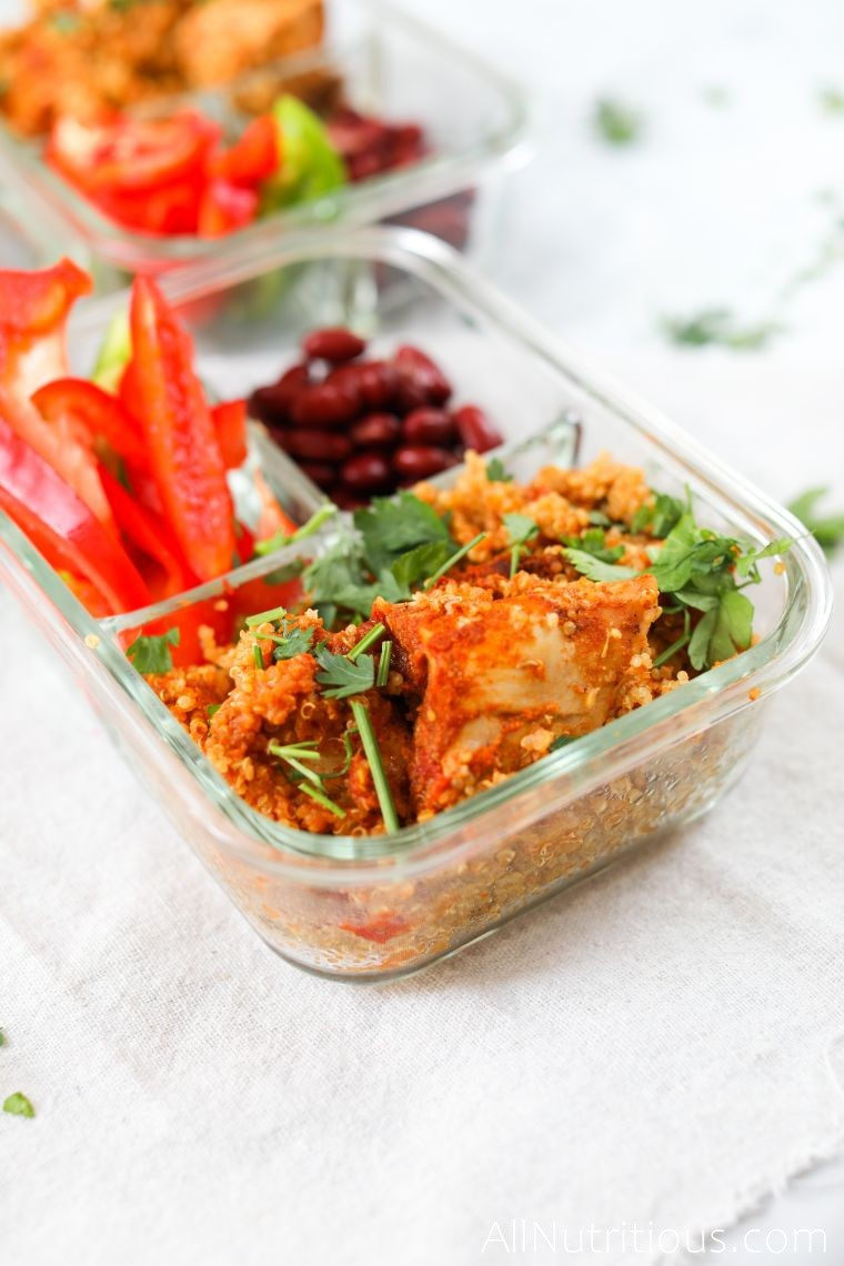 spicy chicken with quinoa, peppers and beans