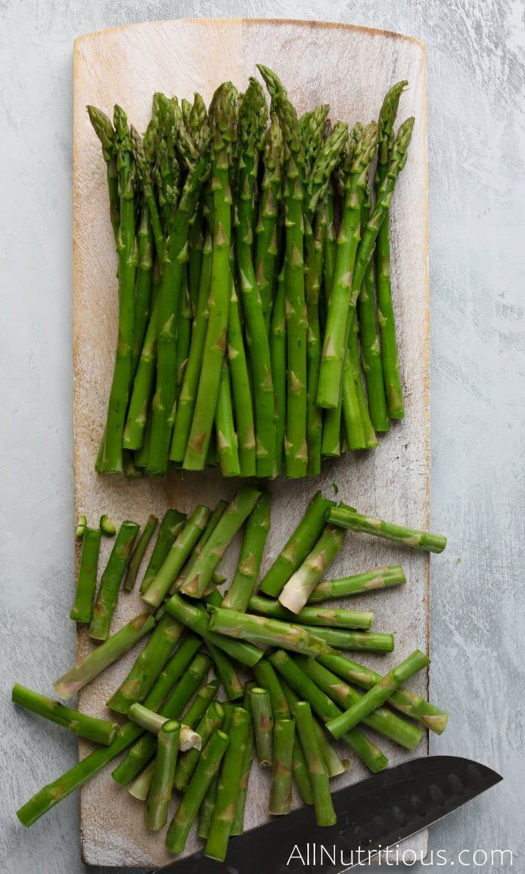 asparagus with cut off ends