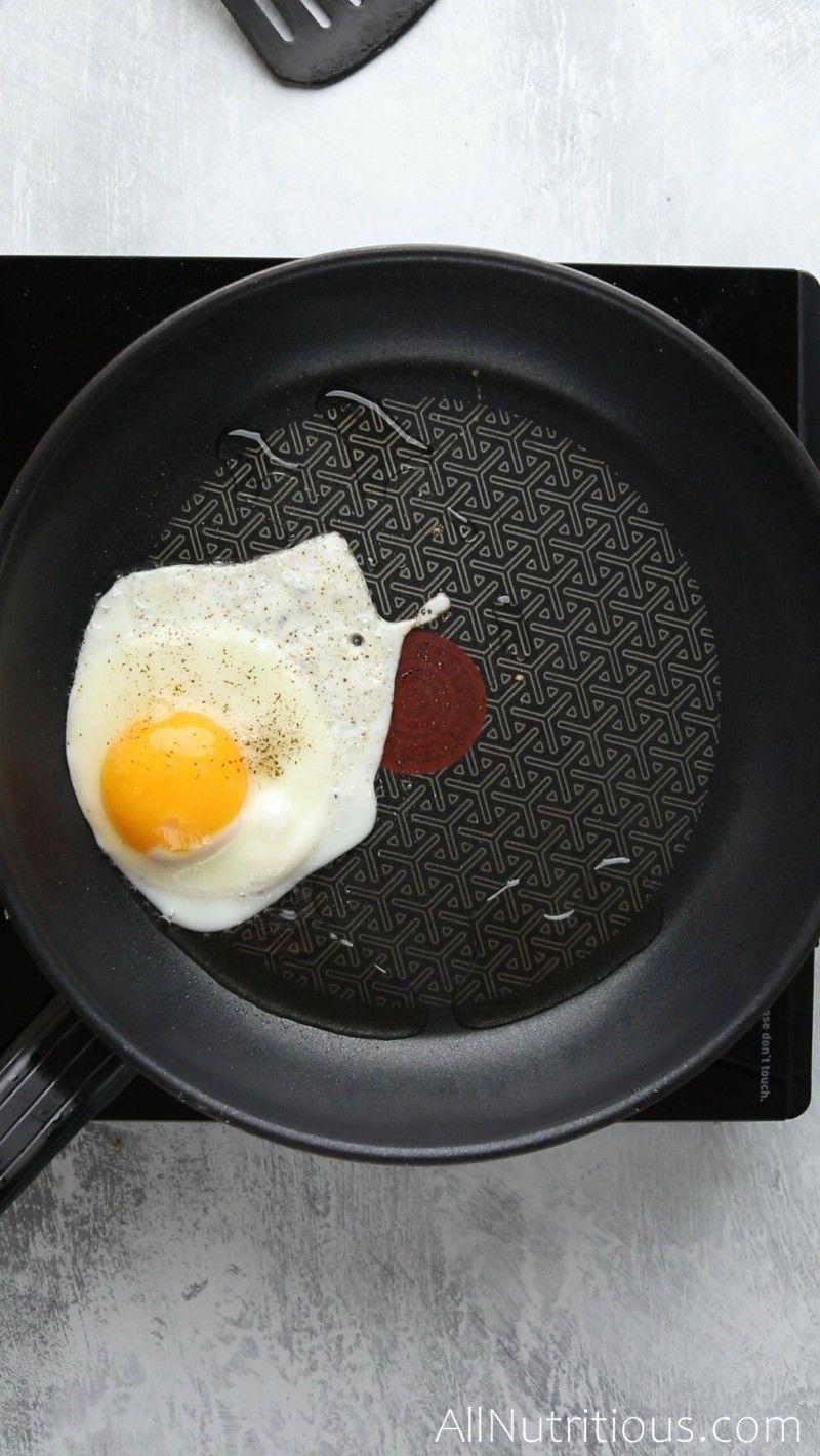 egg frying in pan
