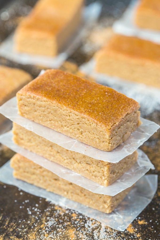 No-Bake Apple Pie Protein Bars