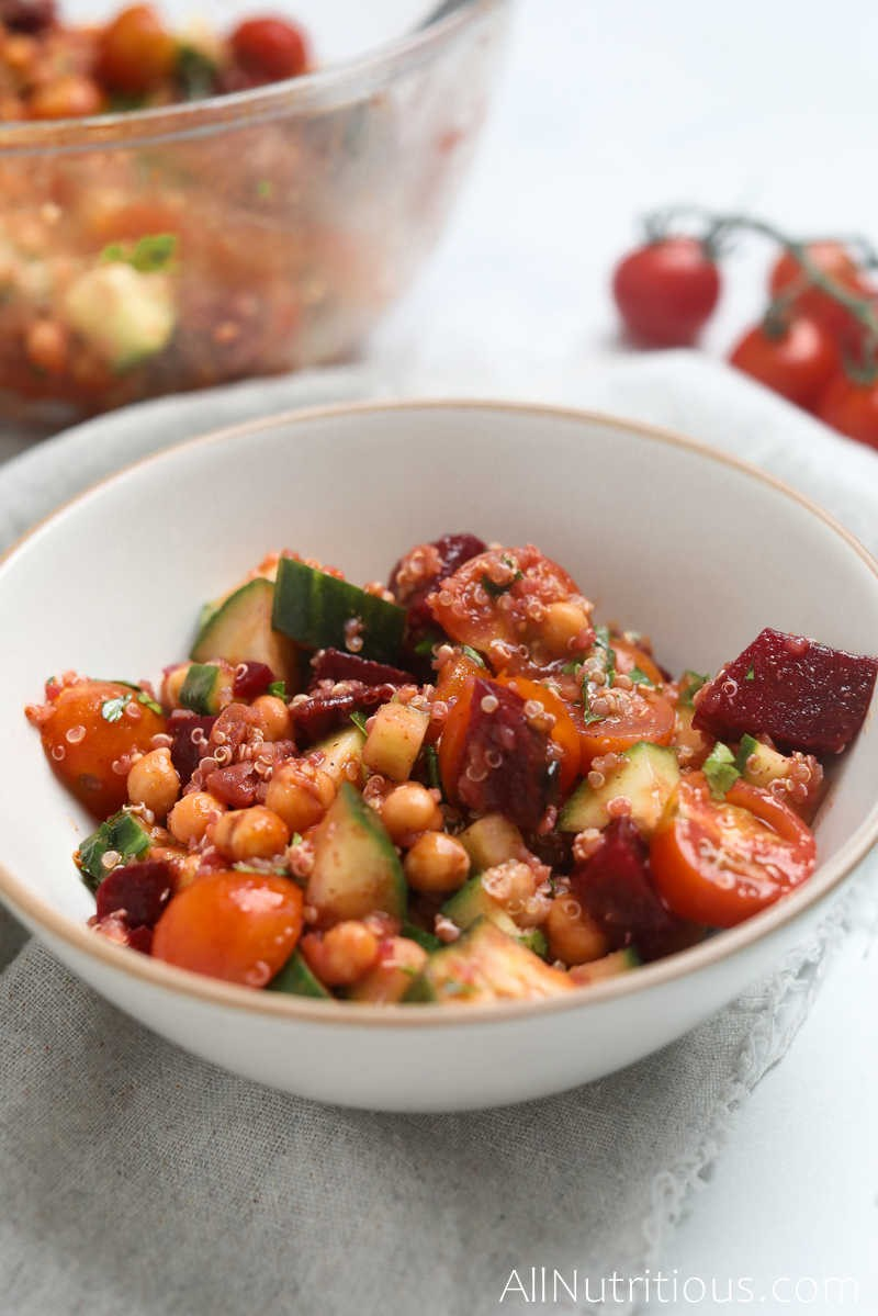 quinoa salad with chickpeas and veggies