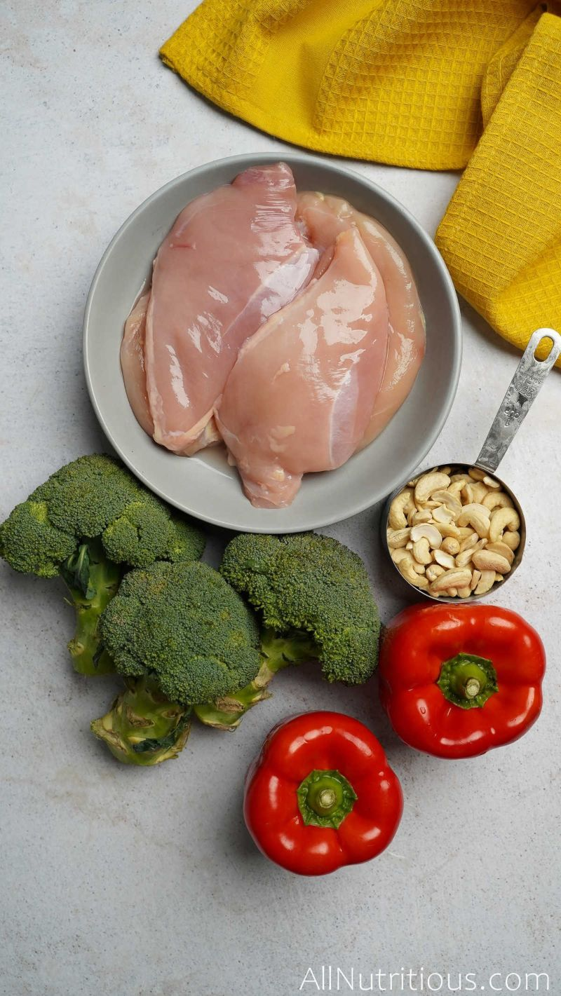 peppers, broccoli, cashews, and chicken breasts