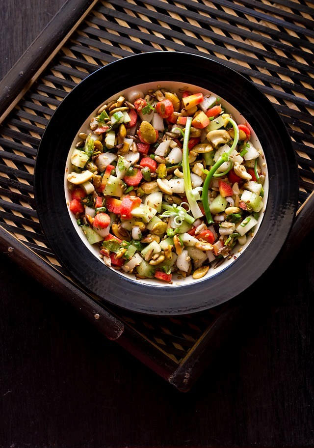 Vegetable Salad with Nuts