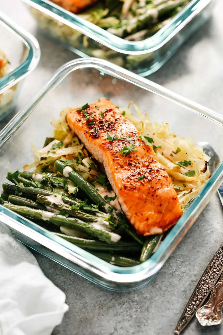 Broiled Salmon with Cabbage
