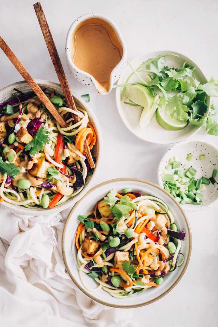 Raw Vegan Pad Thai with Zucchini