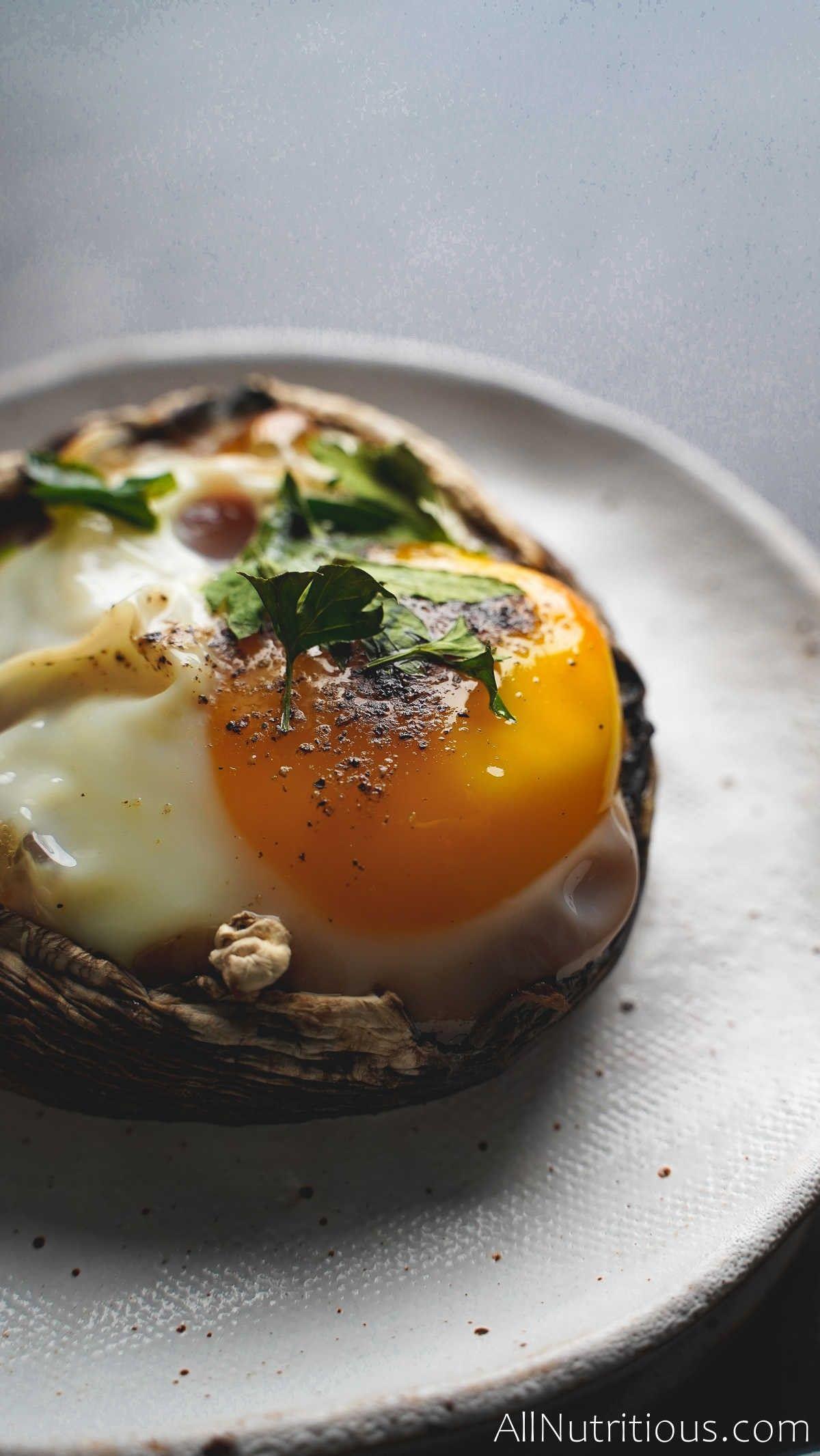 egg cooked in mushroom