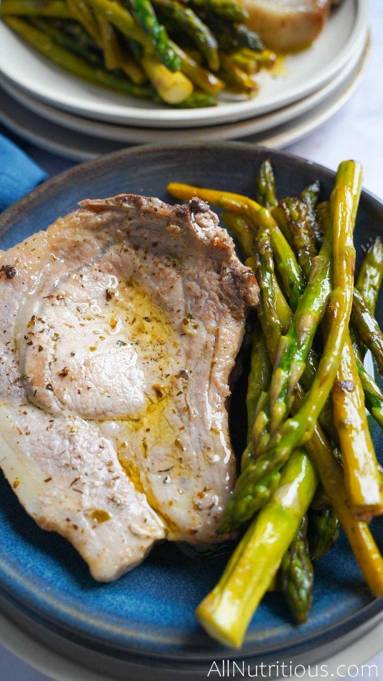 keto pork chop with asparagus