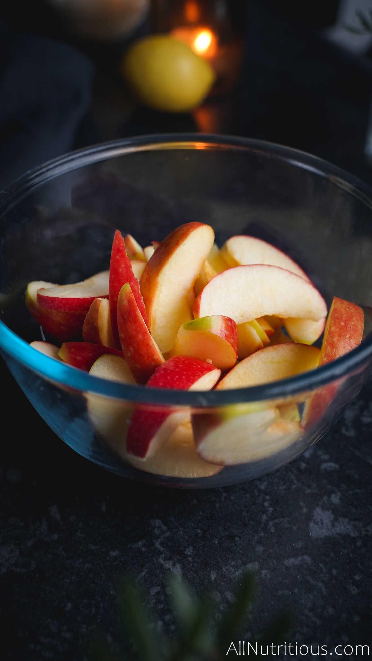 apple slices in bowl