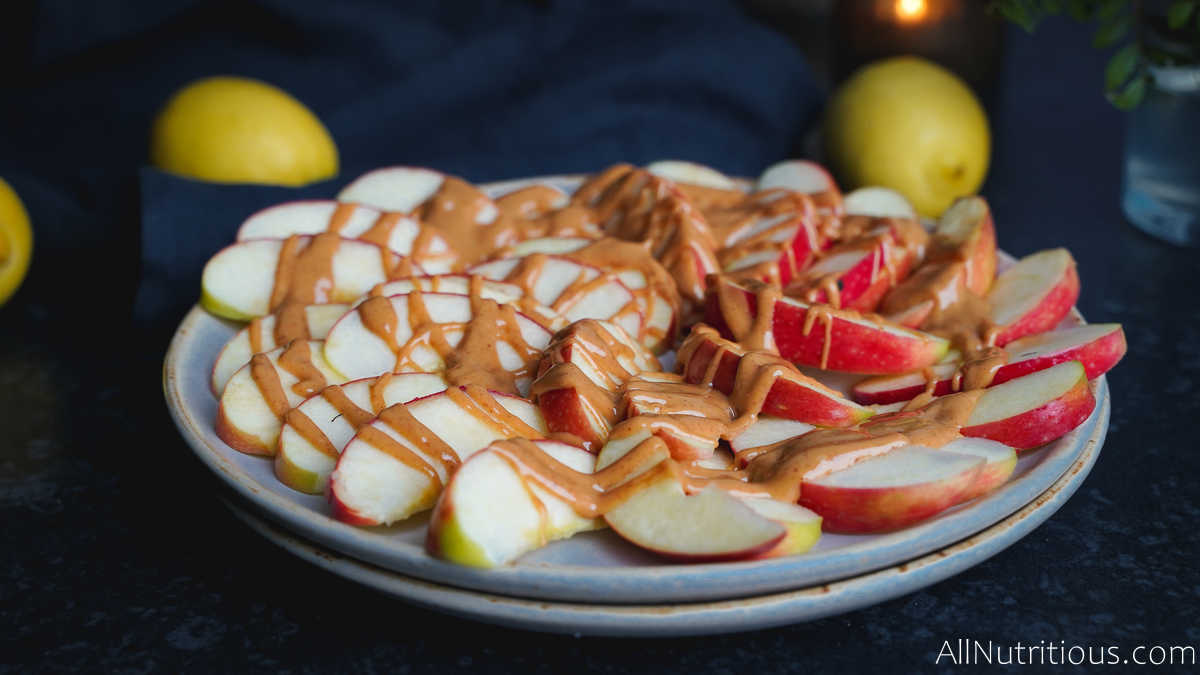 apples drizzled with peanut butter
