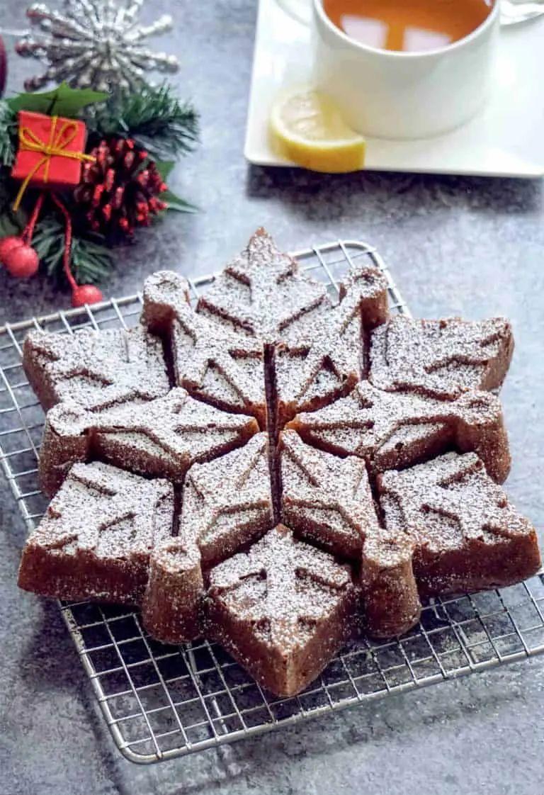 Christmas Snowflake Bundt Cake