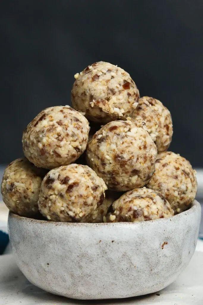 Cashew Energy Balls